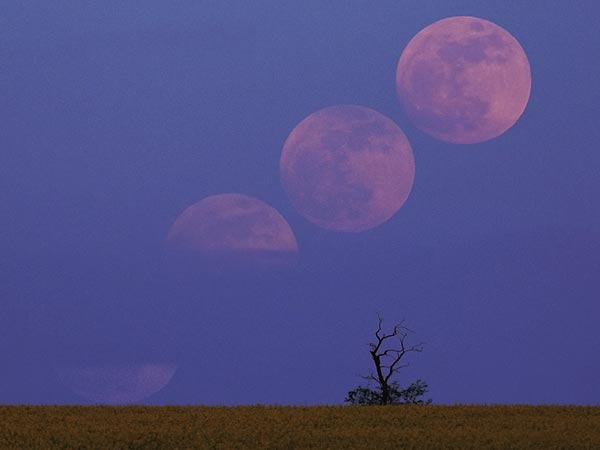 20120619181745-supermoon-lunar-perigee-seen-may-2012-hungary-52629-600x450.jpg
